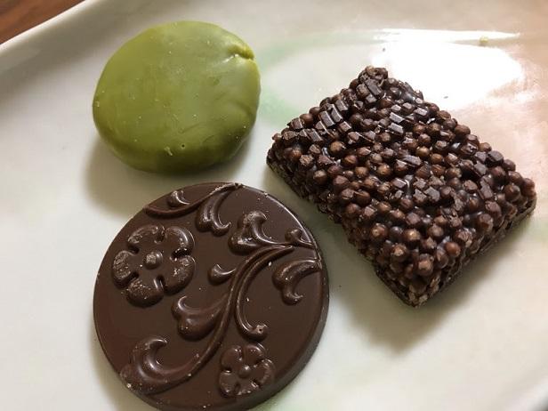 おかきとチョコレートのコラボ