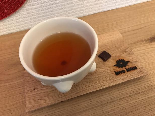 カカオ棒茶を飲みながら・・・・