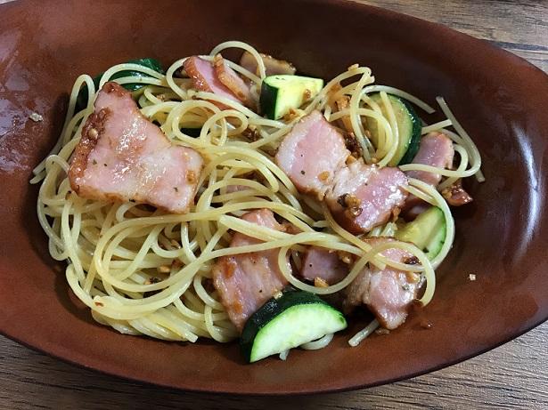 食べるオリーブオイルを使ってペペロンチーノ