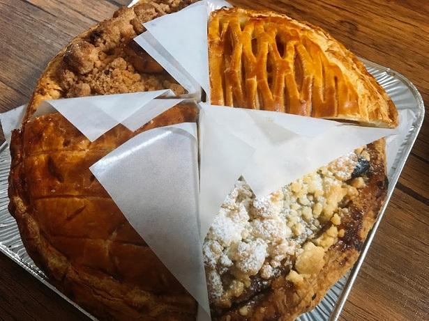 4種類のアップルパイがこんな風に入って届きます 開くとこんな感じ