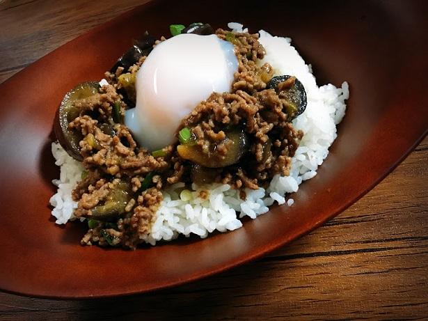【丼】ひき肉と茄子のミートソース オイスターソース味